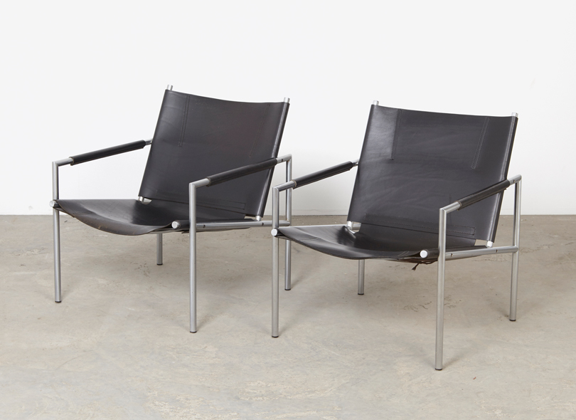 SOLD Martin Visser A Pair of SZ02 Lounge Chairs 't Spectrum 1965
